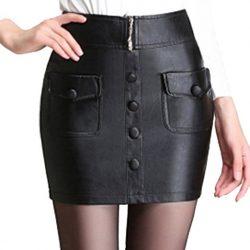 Falda delgada corta de cuero de la PU con botones y bolsillos